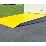 Rampa para Gabinetes para Tambores Justrite 915001 almacenamiento en exterior.